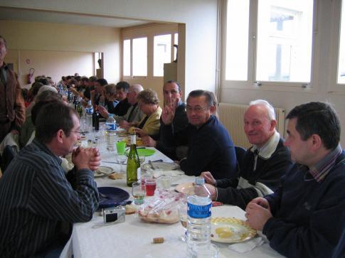 Barbecue 2006.La table, vue d'ensemble